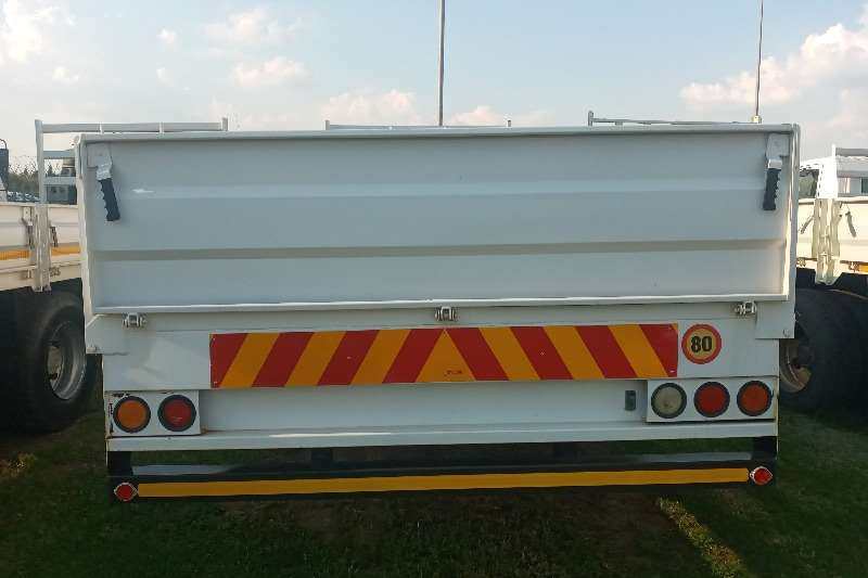 Nissan Nissan UD 80   (WITH MASS DROPSIDES) FOR SALE Dropside trucks