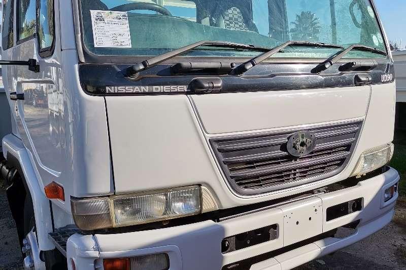Nissan Nissan UD 90 drop side Dropside trucks