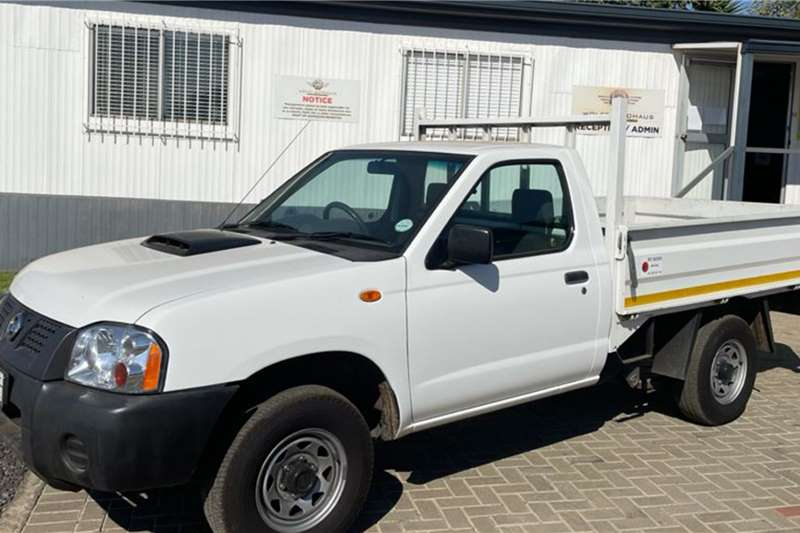 Nissan NP300 2.5TDi fitted with Dropside Body Dropside trucks