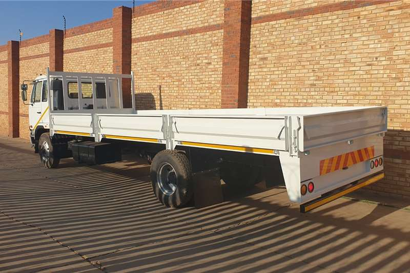 Nissan UD100 WITH BRAND NEW DROPSIDE BODY Dropside trucks