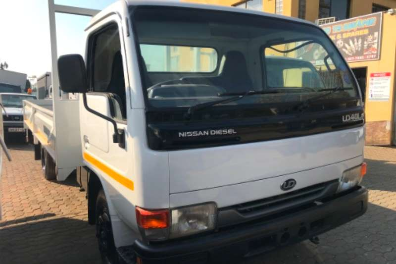Nissan UD40 Dropside trucks