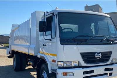 Nissan 2015 Nissan UD 85 Garbage trucks