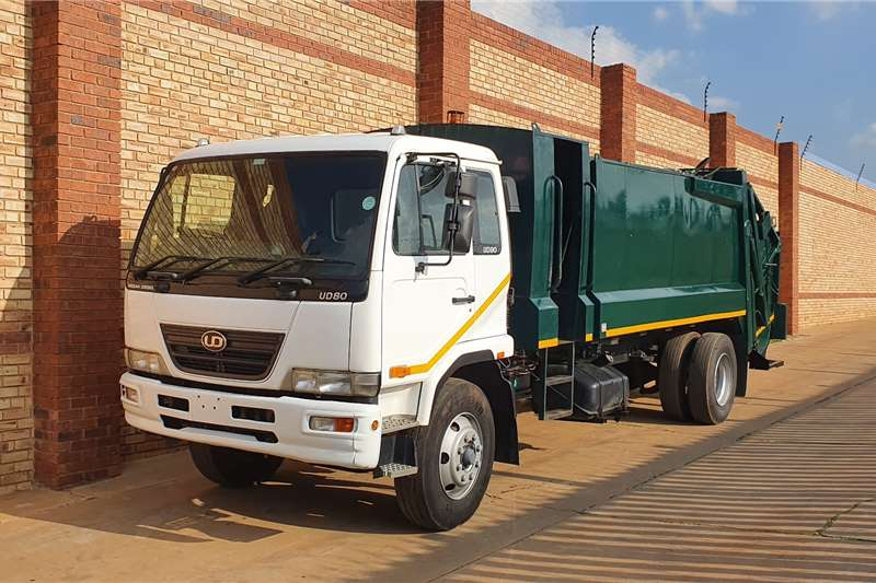 Nissan Garbage trucks UD80,4x2 WITH 600SA SIERRA 12 CUBE REFUSE COMPACTO 2010