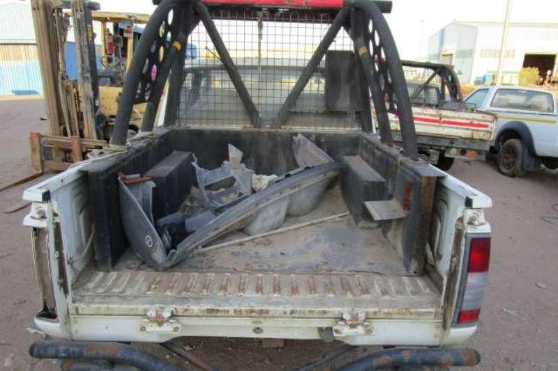 Nissan LDVs & panel vans Nissan Double Cab, Stripped Bakkie/LDV