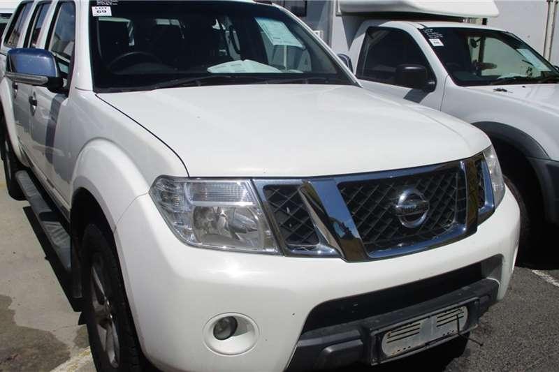 Nissan LDVs & Panel Vans Nissan Navara 4.0 4x4 Double Cab Bakkie 2012
