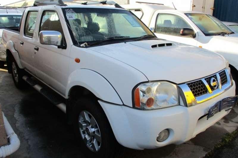 Nissan LDVs & panel vans Nissan NP300 2.5 Double Cab 4X2 Bakkie 2014