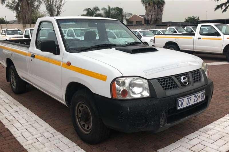 Nissan LDVs & panel vans NP 300 HARDBODY 2,5 TDI LWB P/U S/CAB 2013