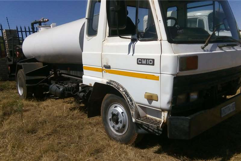 Nissan Other trucks Nissan CM10 water tanker 1997