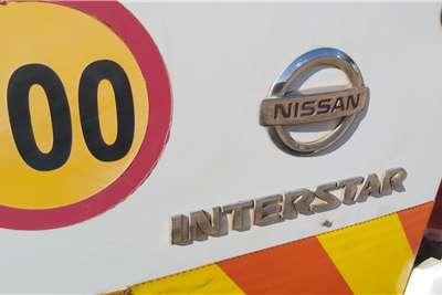 Nissan Interstar 2.5 dCi Minibus 14 Seater Personnel carrier trucks