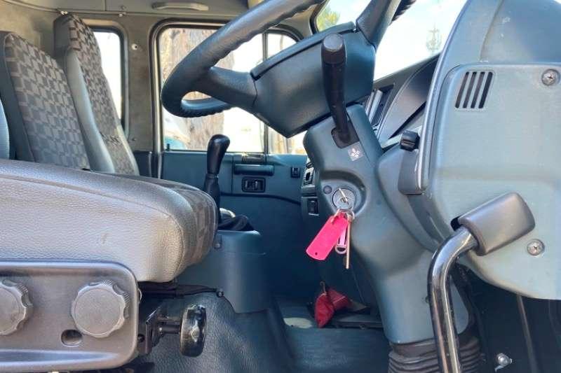Nissan NISSAN UD 90 FRIDGE BODY TRUCK FOR SALE Refrigerated trucks
