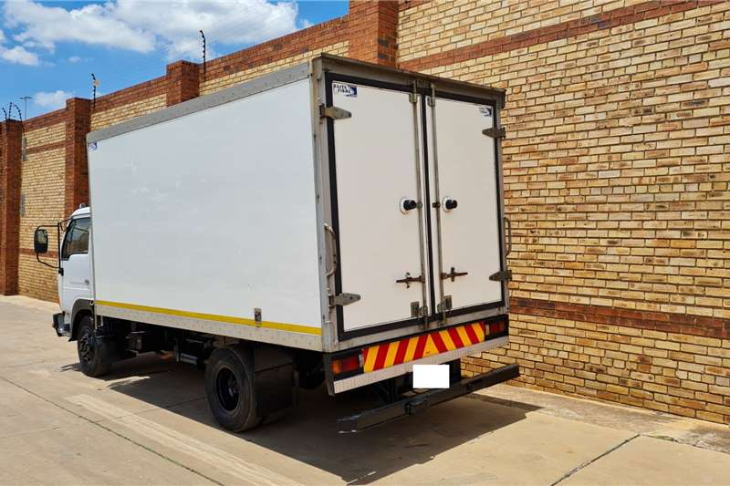 Nissan UD40 WITH INSULATED BODY AND TRANSFRIG KV760 Refrigerated trucks
