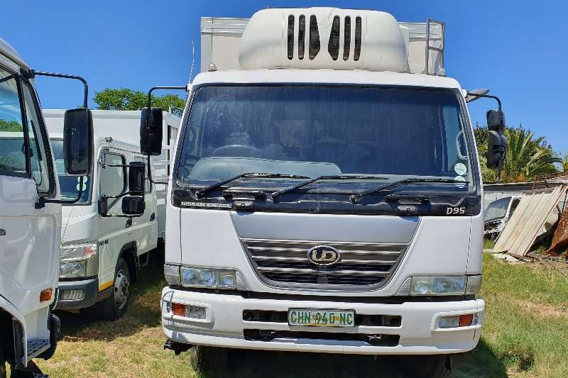 Nissan Refrigerated trucks UD95 with Single Side Door 2010