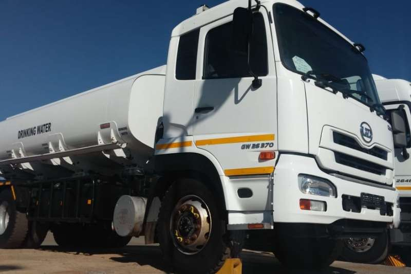 Nissan Rigid - tanker UD Quon 26.370 16,000Litre Drinking Water Tanker 2014
