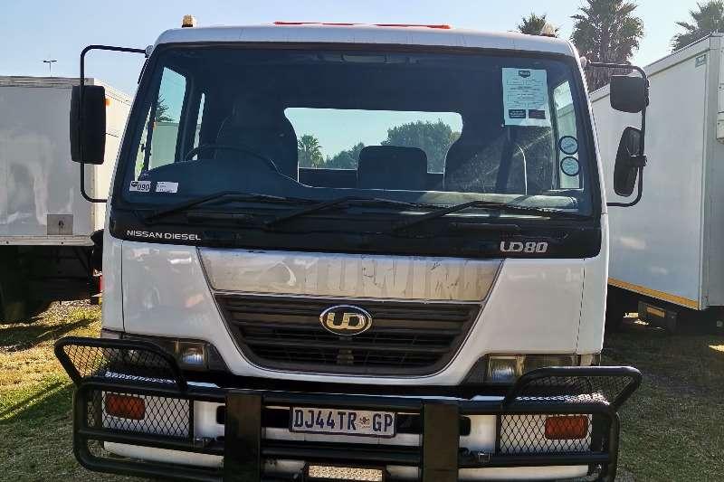Nissan Nissan UD 80 ROLLBACK Rollback trucks