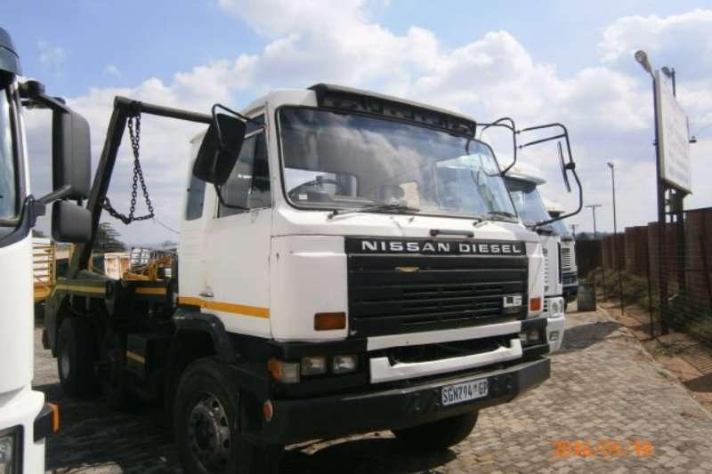 Nissan Skip bin loader trucks CW45 1994