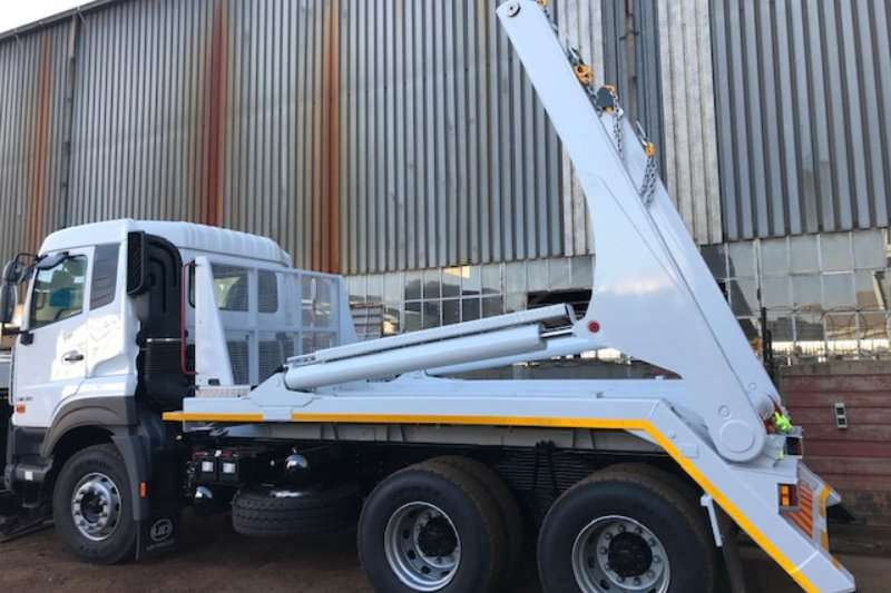 Nissan Skip bin loader trucks Nissan 330 with 18Ton Skip Loader 2019