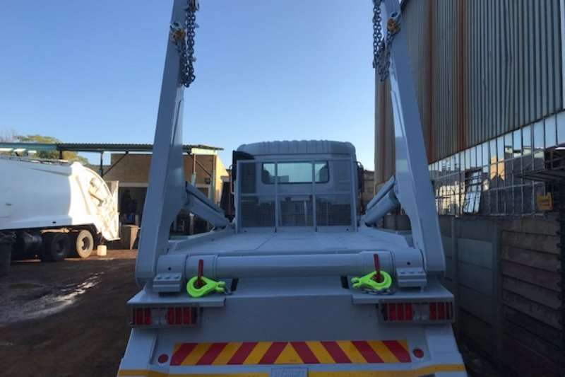 Nissan Nissan 330 with 18Ton Skip Loader Skip bin loader trucks