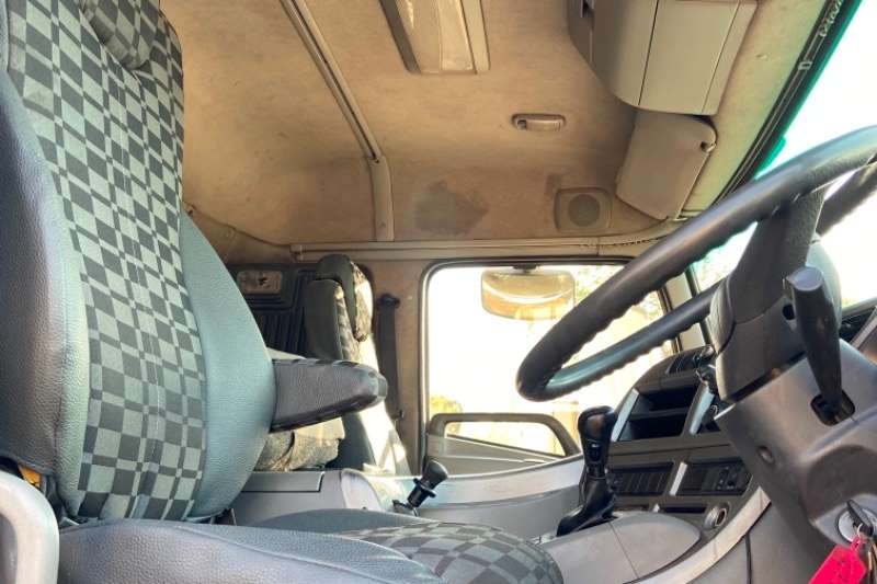 Nissan NISSAN UD490 10 CUBIC TIPPER FOR SALE Tipper trucks