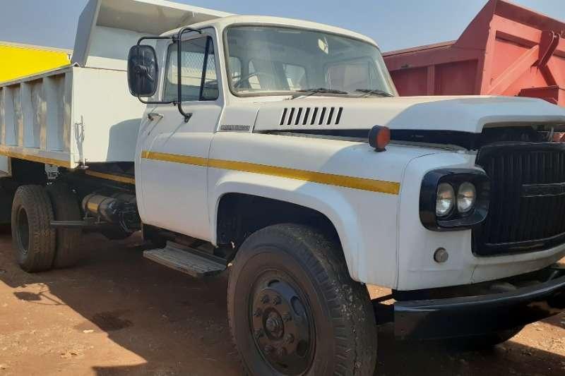Nissan Tipper trucks Nissan UG780 6M(3) Tipper 1996