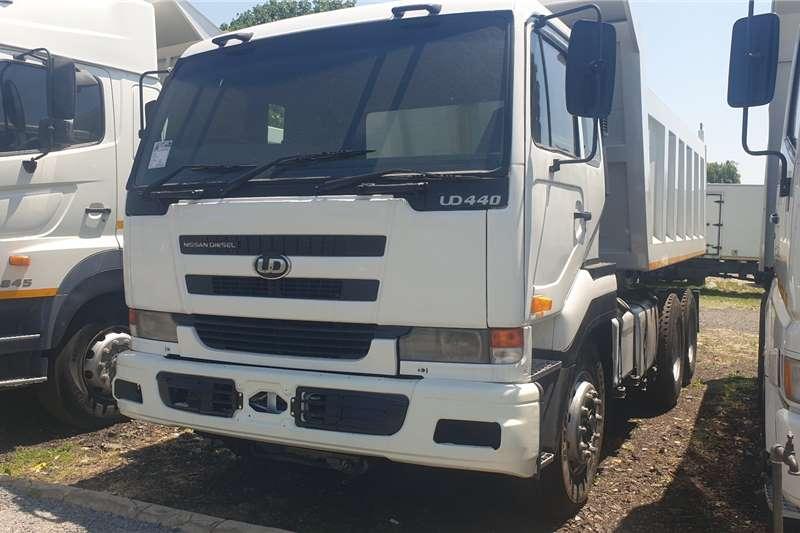 Nissan UD440 Tipper trucks