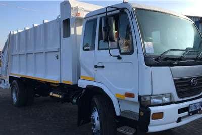 Nissan 2006 Nisaan UD90 Garbage Compactor Truck Truck