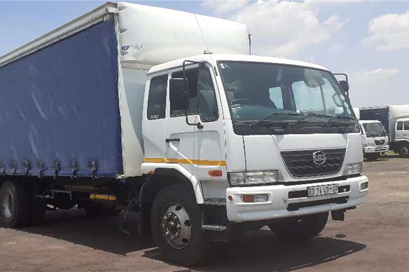 Nissan Truck 6 X 2011 / 2012 NISSAN UD 80 DROPSIDE CURTAINSIDE 2012