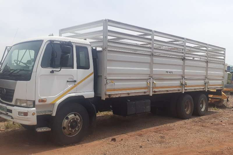 Nissan Truck Cattle Body Nissan UD 100 12 Ton Cattle Body 6x2 2009