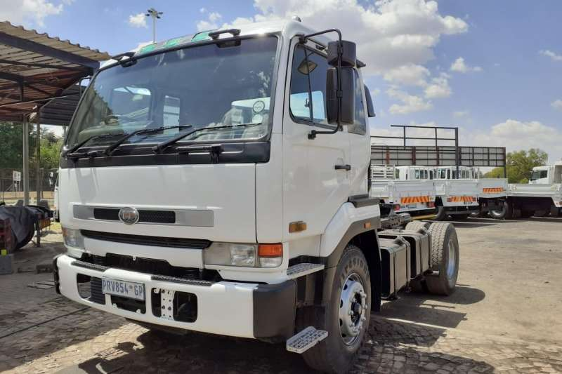 Nissan Chassis cab NISSAN UD 350 Truck