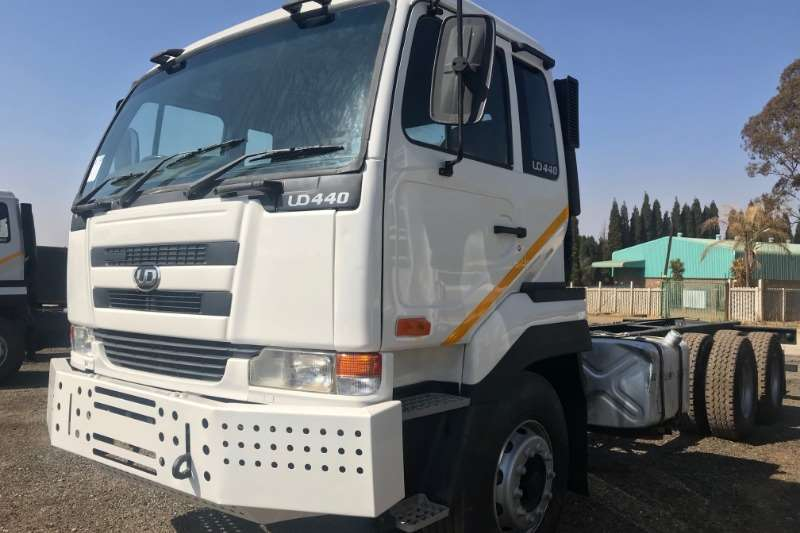 Nissan Truck Chassis cab UD440 6x4 Chassis Cab 2004