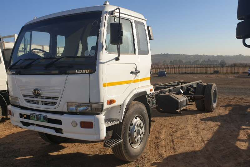 Nissan Truck Chassis cab UD90 2007