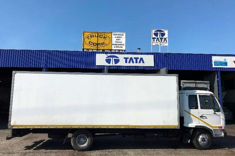 Nissan Truck Closed body UD 60 2006