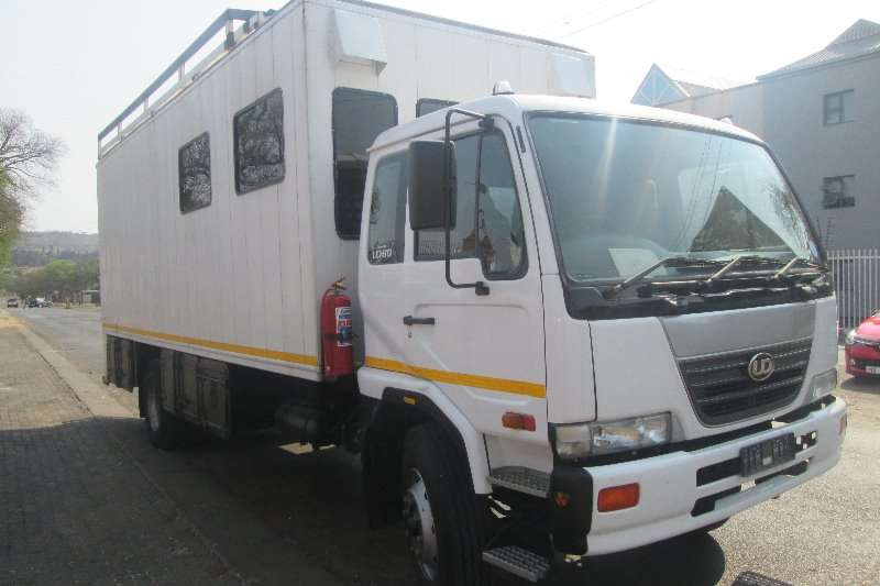 Nissan Truck Closed body UD80 2006