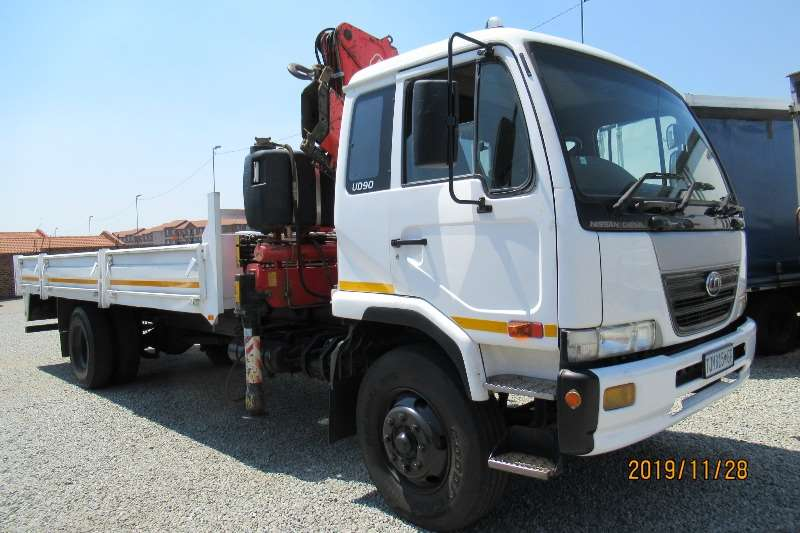 Nissan Truck Crane truck Nissan UD90 with Fassi 1700 crane cab mounted 2006