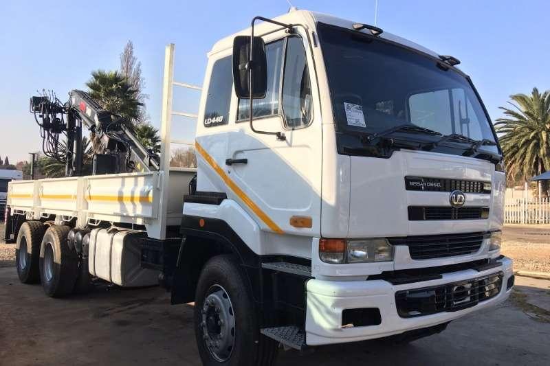 Nissan Truck Crane truck UD440 Dropsides with Hiab 140 13200 Crane & Grab 2006