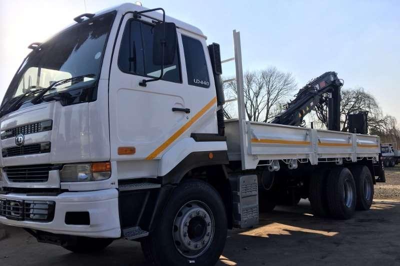 Nissan Truck Crane truck UD440 Flat Deck with Hiab 140 13200 Crane & Grab 2006