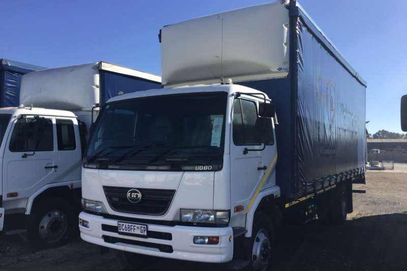 Nissan Truck Curtain side 2011 Nissan UD80 curtainside 2011