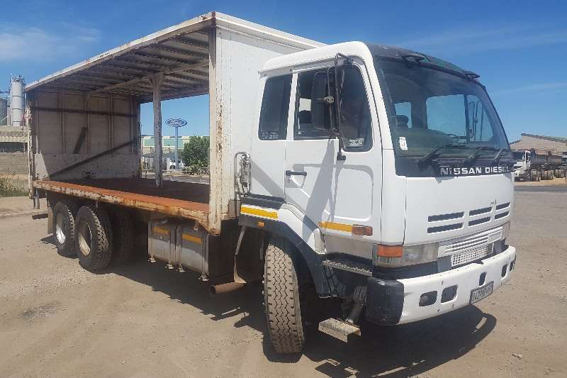 Nissan Truck Curtain side Nissan CW290 Tautliner 1998