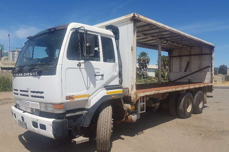 Nissan Curtain side Nissan CW290 Tautliner Truck
