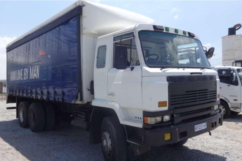 Nissan Truck CW46 Tautliner 1990