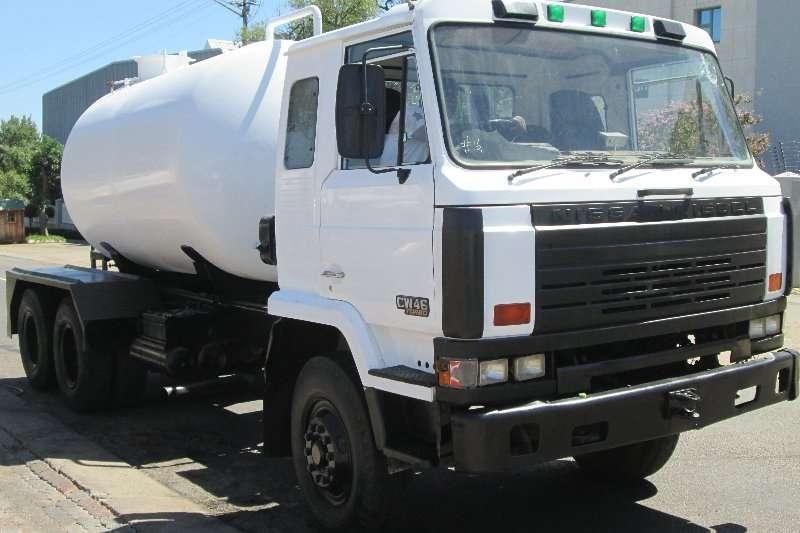 Nissan Truck Diesel tanker CW46 1986