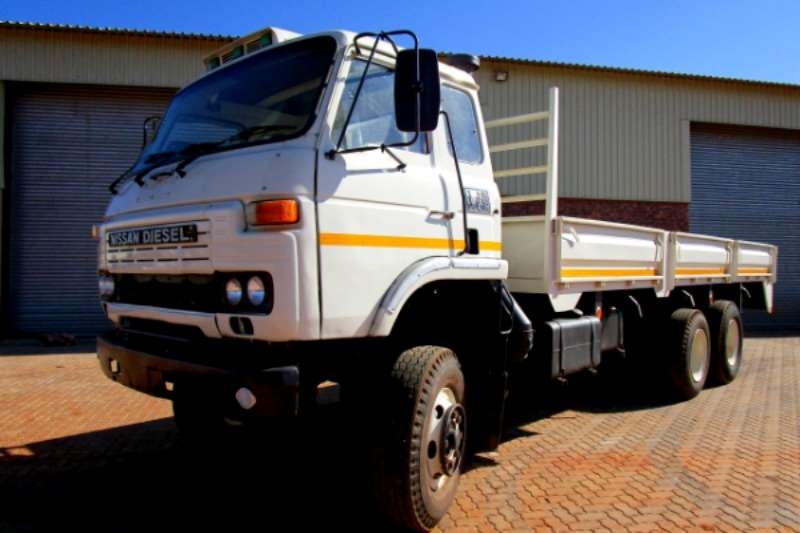 Nissan Truck Dropside Nissan Dropside 6x4 with Double Diff 1984