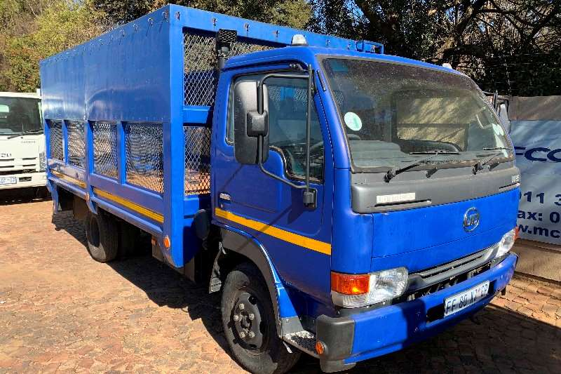 Nissan Truck Dropside UD 35 F/C Cage Body 2011