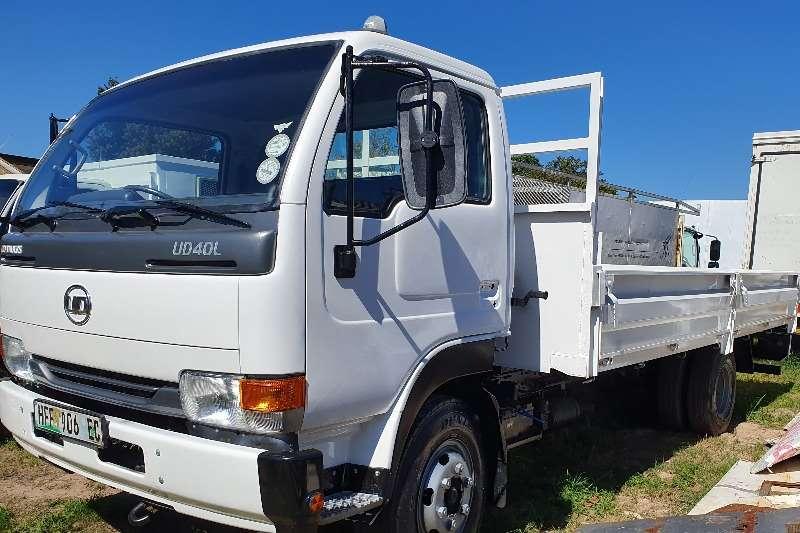 Nissan Truck Dropside UD 40 2014