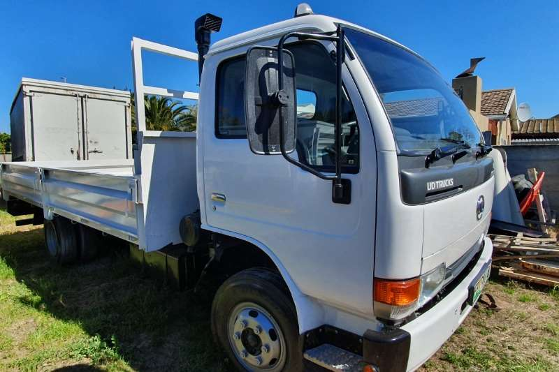 Nissan Truck Dropside UD40 DROPSIDE 2014