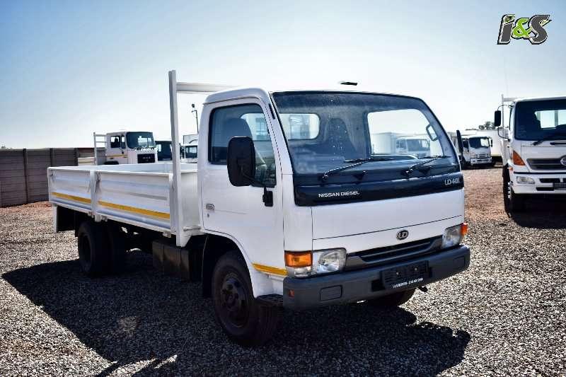 Nissan Truck Dropside UD40L Diesel 2006