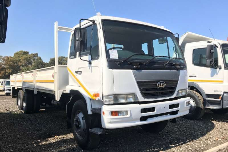 Nissan Truck Dropside UD90 Dropside Tag Axle 2009