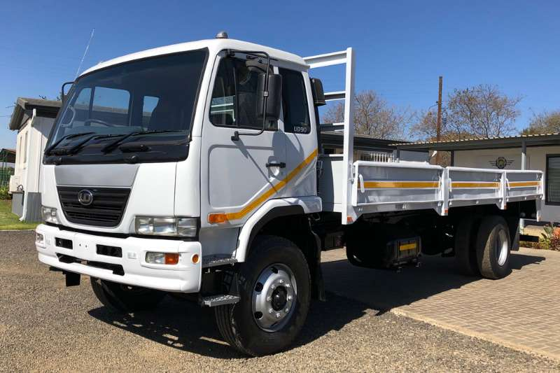 Nissan Truck Dropside UD90 fitted with Dropside 2008