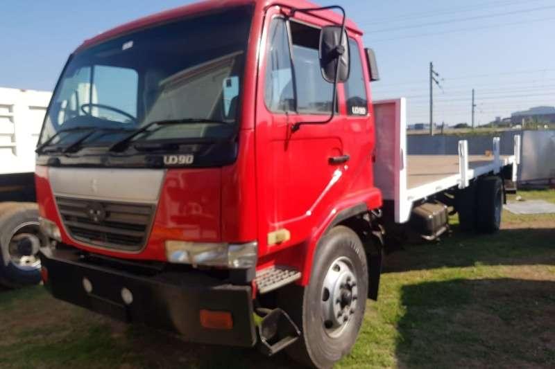 Nissan Truck Flat deck UD90 2004