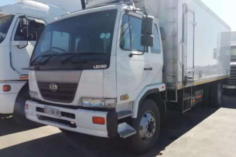 "Nissan Truck Fridge truck 2005 NISSAN UD 90 FRIDGE BODY "" THERMO KING UNIT "" 2005"