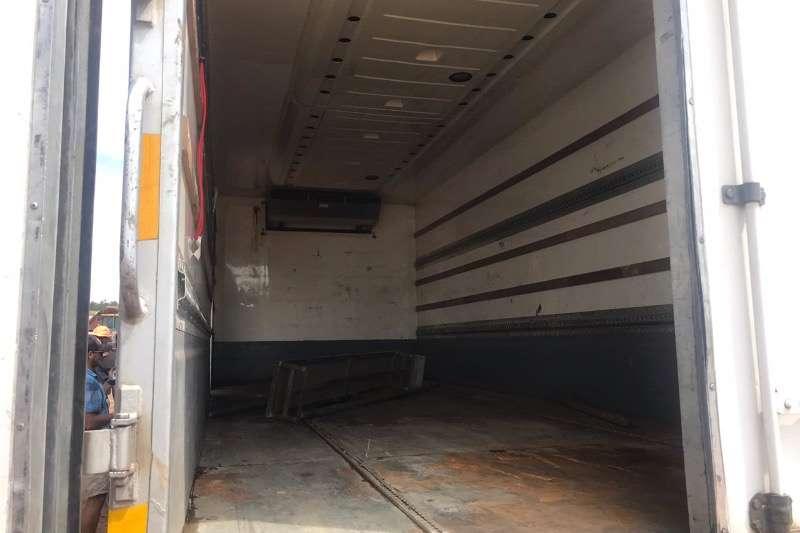 Nissan Insulated fridge unit UD 80 Truck
